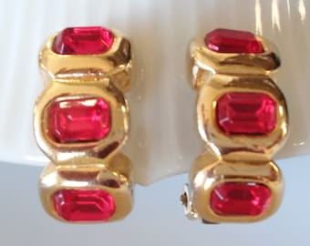 Red Rhinestone Clip On Earrings-Christmas Clip On Earrings-Christmas Earrings-Red and Gold Earrings-Holiday Earrings-Vintage Red Clip Ons