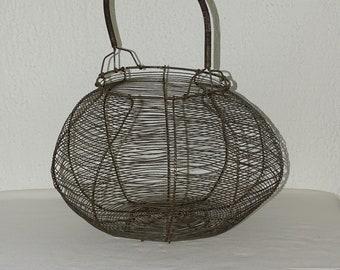 Great old basket Wire basket rural countryside deco egg kitchen vintage
