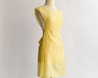 Vintage 1950s 60s Womens Size S/M Full Apron, Yellow White Gingham Gathered Underbust, Retro Suzy Homemaker