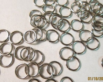 8 mm x 18 Gauge, vernickelt (über Messing), offene Biegeringe - erhältlich in 200, 300 und 500 Biegering Pkgs