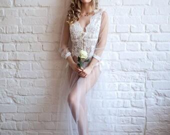 CLOUD. Renaissance style boudoir gown