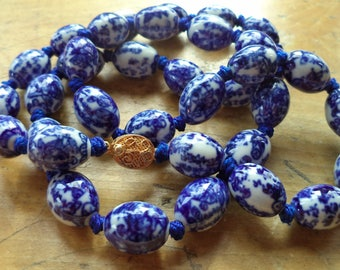 Vintage Chinese Export Ceramic Porcelain Blue White Bead Necklace Individually Knotted Bead Filigree Gold Plate Clasp