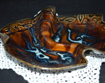 Brown pottery / serving dish / made in Canada / two sections / condiment dish / brown / blue / section dish / divided dish / dining room