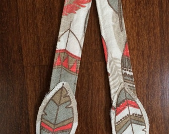 Reach Straps: Feathers (Willow) fabric with feather decorations
