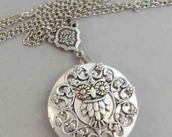 Sweetest Owl,Owl,Owl Necklace,Owl Jewlery,Owl Locket,Owl in handmade,Silver Locket,Silver Necklace,Owl,Silver,Woodland,valleygirldesigns.