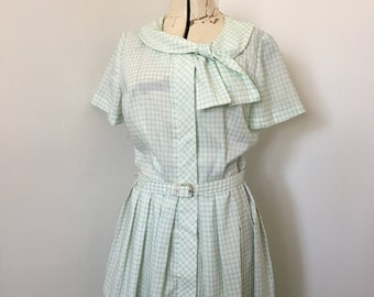 1950's Women's Dress Carol Brent Shirtwaist Pastel Green and White  Windowpane Plaid with Softly Draping Bow Collar Medium 42 Bust
