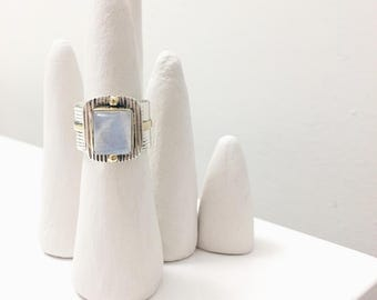 One-of-a-Kind Two-toned Rainbow Moonstoone Ring | 0.925 Sterling Silver | 9K Solid Gold | Size 6.5