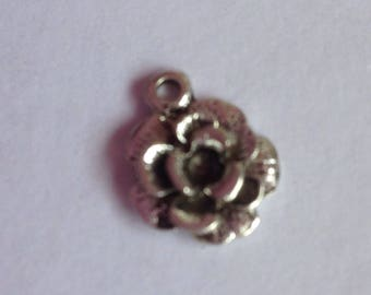 15 Silver Coloured Metal Rose Charms