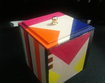 Colorful strip box