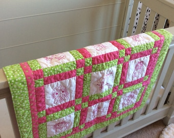 """Baby Quilt, 30"""" x 30"""", Raggedy Ann Andy® theme"""