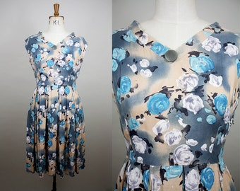 1950s Cotton Day Dress / 50s Floral Dress / Side Zip / Pleated Skirt / Size Medium / S M