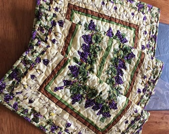 Country Vineyard Quilted Table Runner