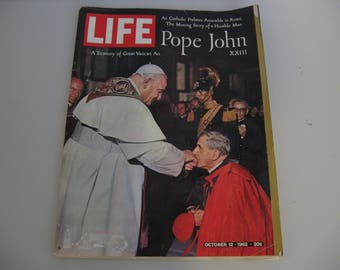 Vintage Life Magazine - 1962 October 12 - Pope John XXIII