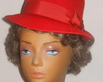 Red Wool Felt Glenover Hat Henry Pollak Famous Bar Hat Box