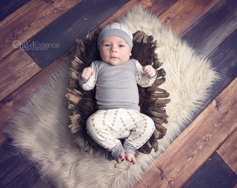 Baby Boy Going Home Outfit -  Triangle Print - Baby Boy - 3 Piece Set