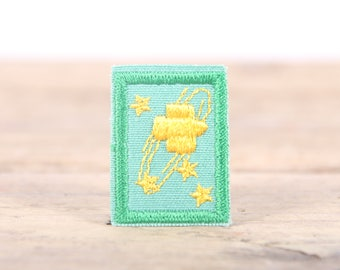 """Vintage Girl Scout Patch / 1970's-80's Scout Patch / Green Yellow Stars Patch / Old Stock Scout Patch / 1.5"""" Girl Scouts Patch / Scout Badge"""