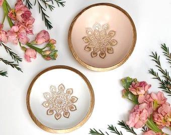 Personalized Ring Dish / Mandala Jewelry Dish / Gifts for Her / Bridesmaid Gift / Personalized Jewelry Dish / Engagement Gift / Wedding Gift