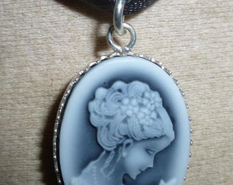 Miss Silver 925 cameo pendant