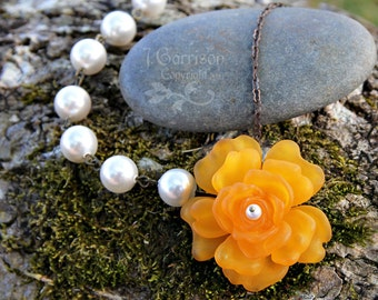 Vintage Apricot rose flower & pearl asymmetrical necklace- antiqued brass chain - retro style -chic fashion - Kawaii -  Free Shipping USA