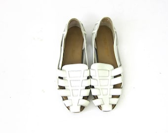 vintage white leather huaraches woven leather sandals Slip On Flats Shoes women's size 8