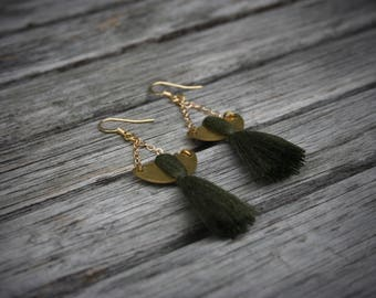 EARRING for women with tassel, gold chain, mustard, salmon, blue or black tassel and gold half-cercle. -BO13-