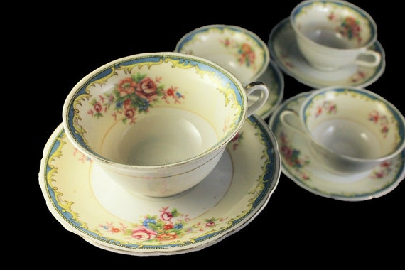 Cups and Saucers, Tashiro Shoten Ltd, Set of 4,  Floral Pattern, Gold Trim, Beige and Blue