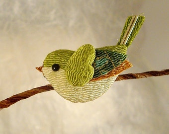 NIGHTINGALE CHIRIMEN FABRIC BIRD BROOCH