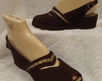 1930's 1940's BROWN SUEDE SLINGBACKS peep toe wedge 6.5