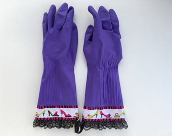 Diva High Heal Shoe Cleaning Gloves. Size Small, Medium or Large. Black Lace. Purple Latex Kitchen Dishwashing Gloves. Gift for Women.