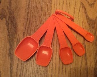 Vintage Orange Tupperware Set of 5 Measuring Spoons