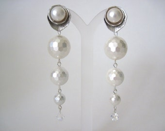 Pearl earrings   perfect for brides