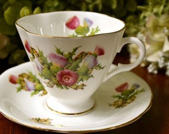 Clarence Fine Bone China tasse et soucoupe, Motif de Multi couleur de ruban Floral, or doré, en Angleterre