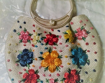 Vintage Handmade Floral Straw Woven Purse