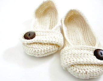 Women's Crochet slippers - Button slippers - wedding slippers - cream ivory white - womens crochet knit shoes
