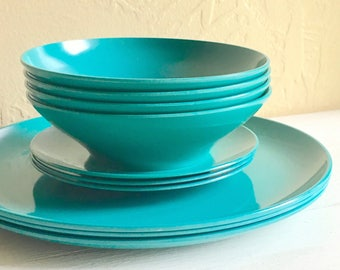 Teal Dark Turquoise Aqua Melamine Plastic Bowls and Plates Saucers 10 Dishes Outdoor Dining Picnics BBQs