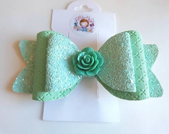Green glitter hairbow including one leatherette bow with flower resin embellishment