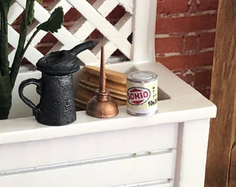 Miniature Oil Cans, 3 Piece Metal Oil Can Set, Vintage Look Oil Can, Dollhouse Miniatures, 1:12 Scale, Dollhouse Accessories, Crafts, Decor