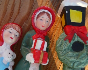 Christmas Carolers and Lamp Post  Candle Holder