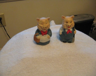 Collectible Ceramic Ma and Pa Pigs