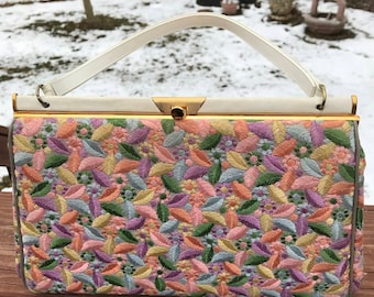 Vintage Floral Handbag-1960's-Pocketbook style-7 inch x 11 inches, cream leather handles