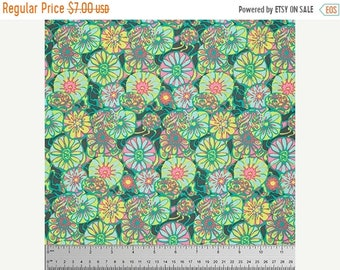 Summer Clearance Daisy Shine in Citrus Fabric from the True Colors Collection by Amy Butler - 1 Yard