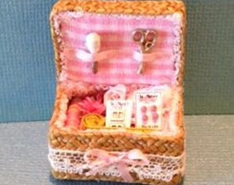 1:12 Dollhouse Miniature Sewing Basket Kit/DIY Miniatures  DI FS514