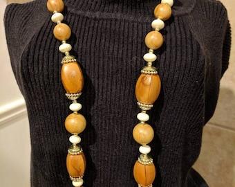 Vintage Multi Color Wood Tone Necklace