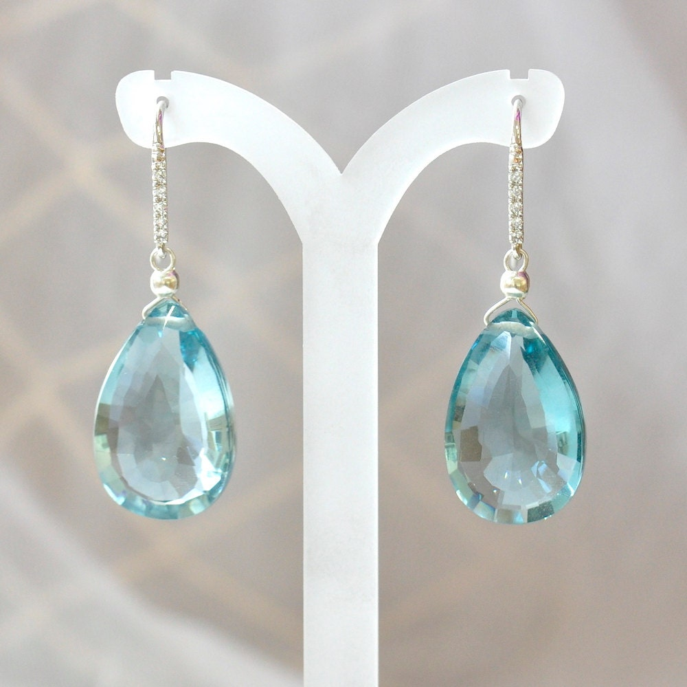 gemstone dia in white earrings diamonds blue set sapphire natural sapphires carats with gold