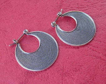 Awesome 0.75 inch Silver Hoop Earrings Balinese Simply Style / silver 925 / Bali Handmade Jewelry / (#11K)