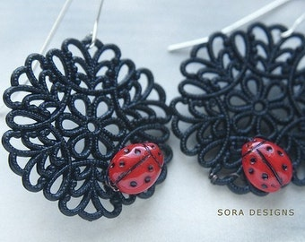 Ladybug dangle earrings, vintage red ladybug earrings, vintage black lace filigree, sterling silver wire