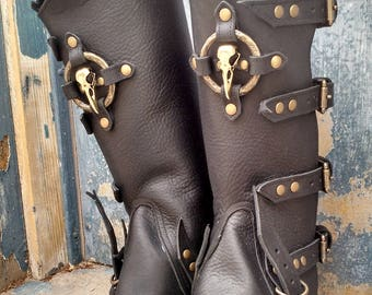 Primitive Oiled Black Leather Peaked Spats with Brass Raven Skull & Antiqued Distressed Ring