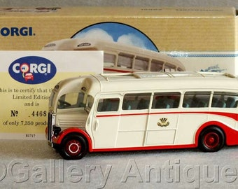 Vintage 1993 Corgi Diecast AEC Regal Western Welsh Bus coach from the Classic Commercials Limited Edition 4468 / 7350 Boxed (ref 3188)
