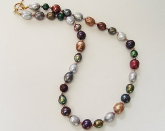 Alluring Multi Colored Pearl Necklace
