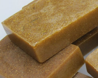 Gardener's Scrub Soap with Beeswax, Honey and Chamomile Botanicals